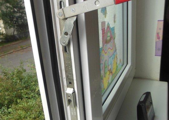 Oprava otevírání plastového okna