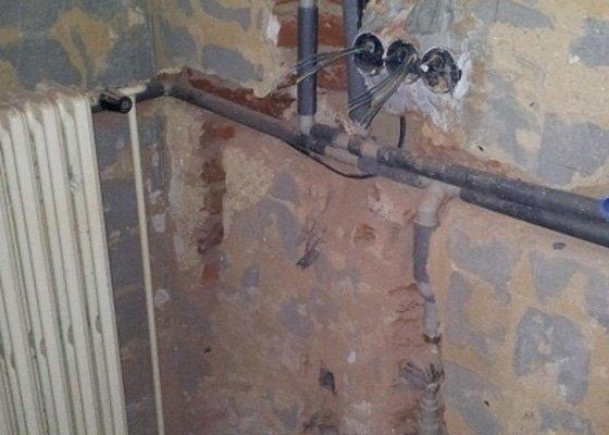 Vodoinstalace koupeln, wc a rozvody topení
