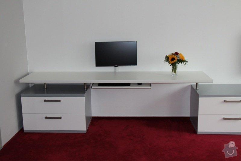 Pracovní stůl: IMG_0907_