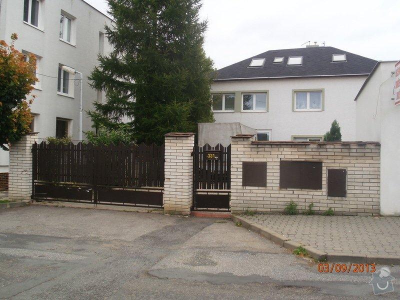 Zhotovení sloupků a zdi z gabionů: P9030001