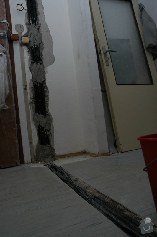 Rekonstrukce kuchyně a chodby (panelový dům, 2005): DSC_6015