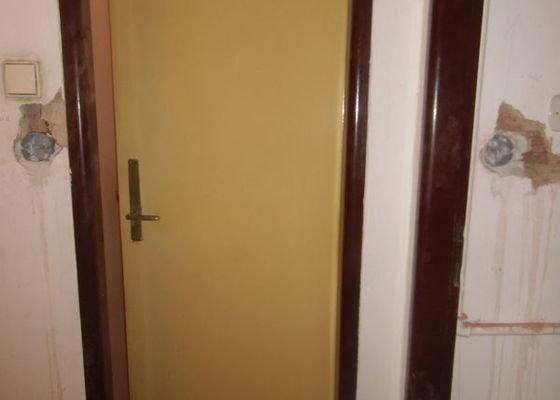 Lakování dveří + futer, lakování oken