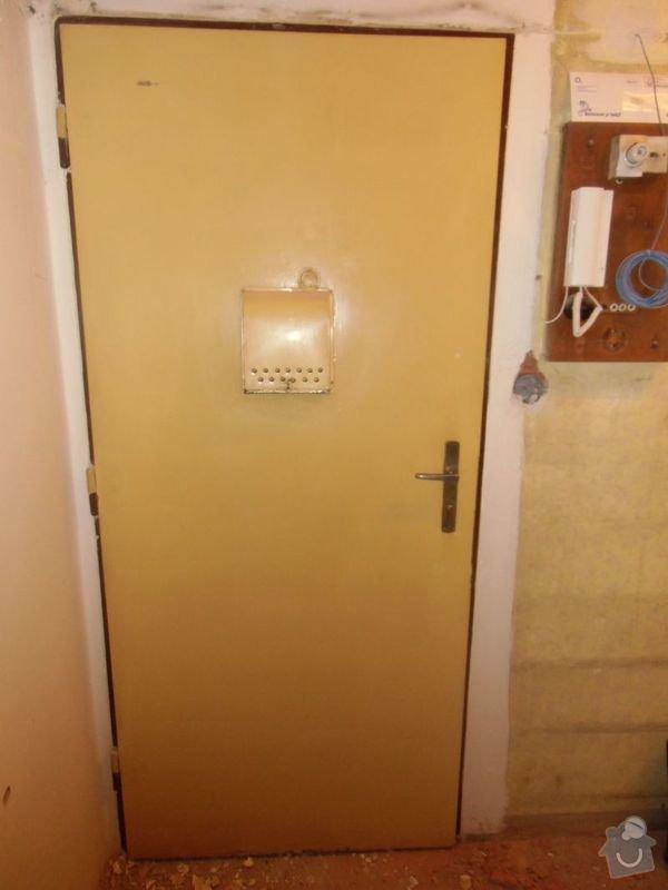 Lakování dveří + futer, lakování oken: dvere_vstupni