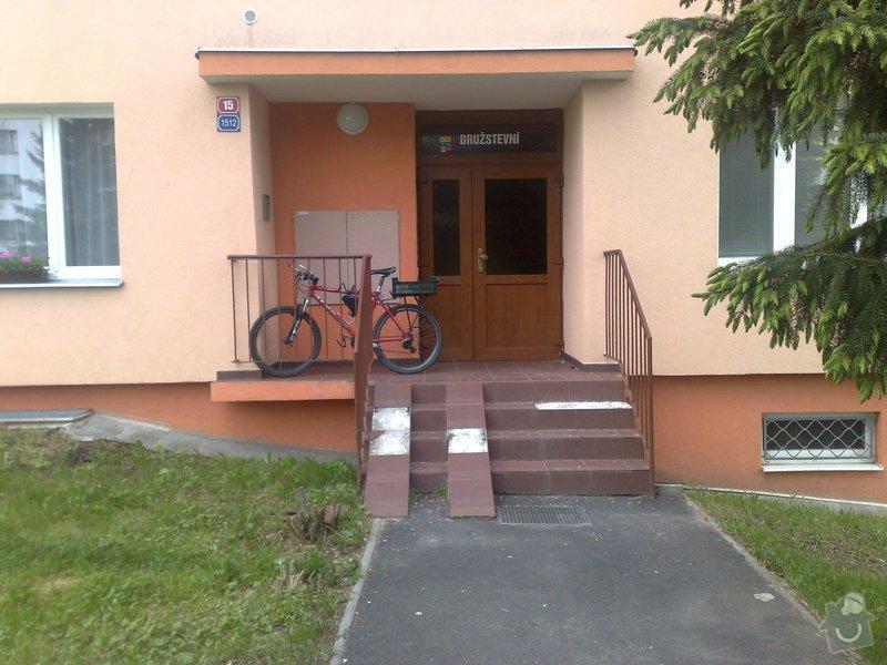 Rekonstrukci vstupního schodiště do panelového domu: 110620131916