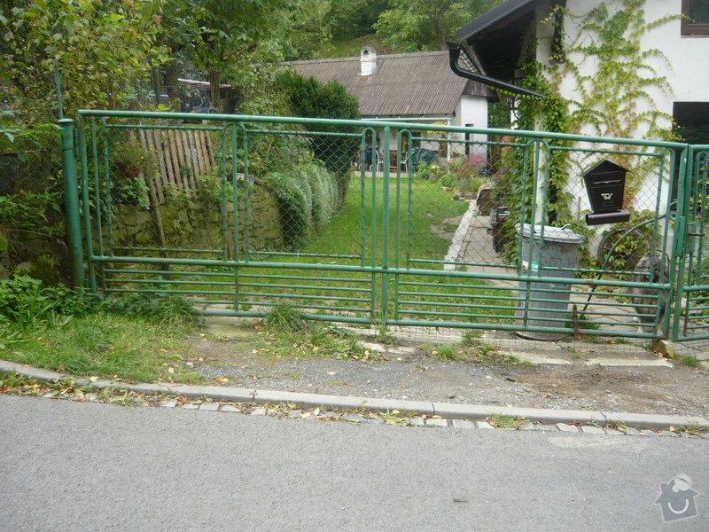 Realizaci plotu u rodinného domu: P1070112