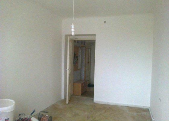 Vyštukování a vymalování pokoje a drobné elektroinstalace + SDK podhled na stropě