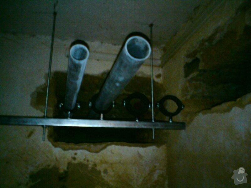 Přeložení horkovodu a vodovodu v bytovém domě: DSC08297