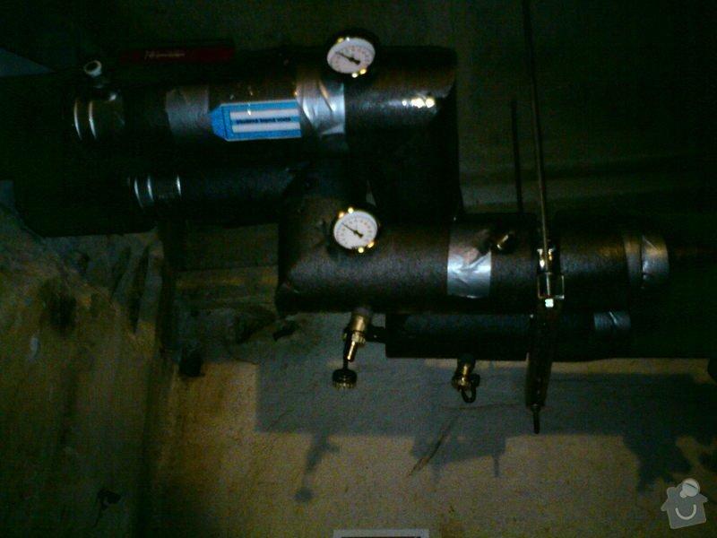 Přeložení horkovodu a vodovodu v bytovém domě: DSC08489