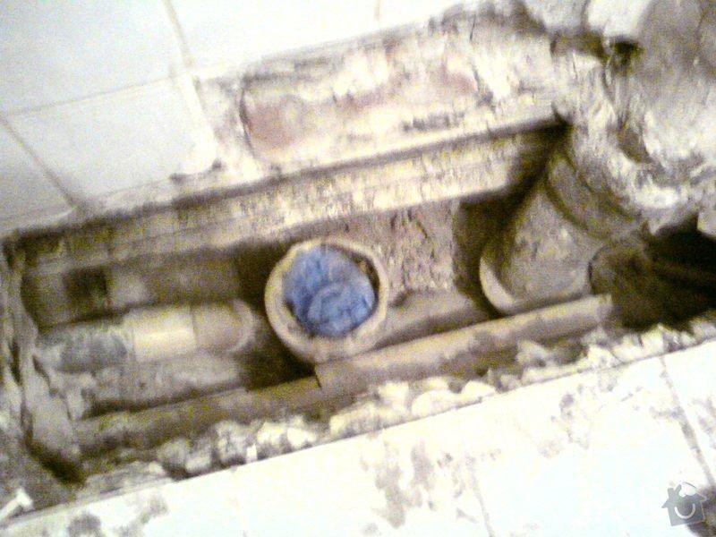 Oprava závady na stoupačce ve starém domě: DSC09676