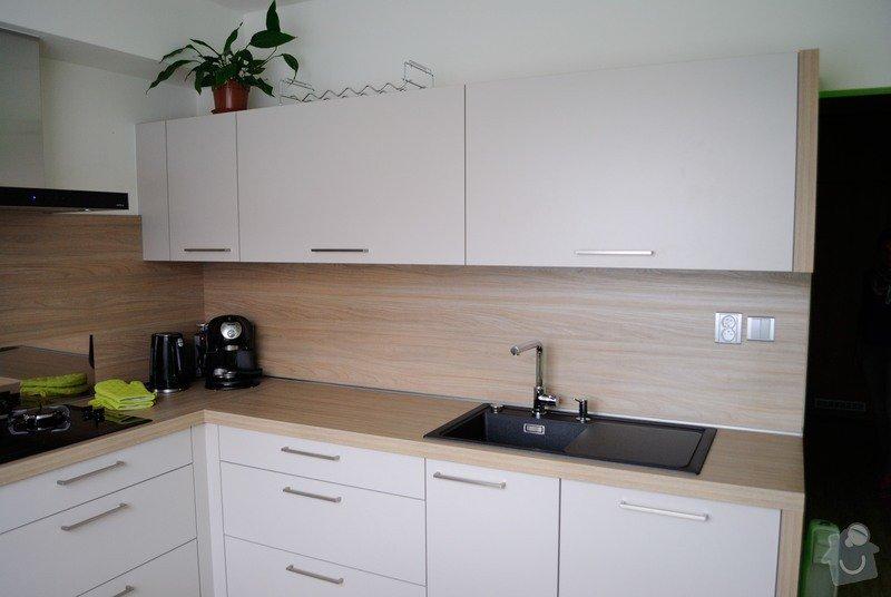 Rohová kuchyně do panelového bytu pro rodinu, Rokycany: DSC_1567