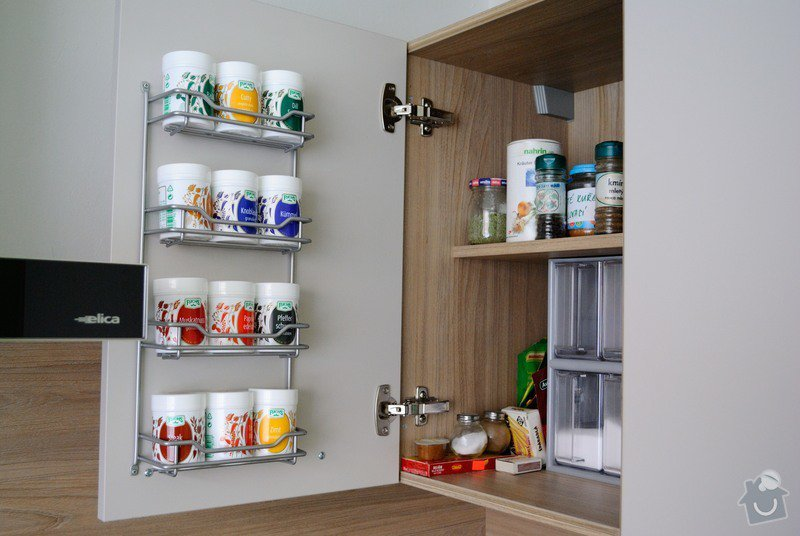 Rohová kuchyně do panelového bytu pro rodinu, Rokycany: DSC_1575