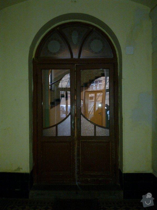 Nové vchodové dveře do bytového domu: mezidvere_resize