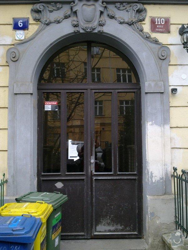 Nové vchodové dveře do bytového domu: soucasne_vstupni_dvere_resize