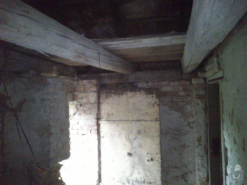 TESAŘ: Rekonstrukce jižního štítu sedlové střechy: DSC_2079