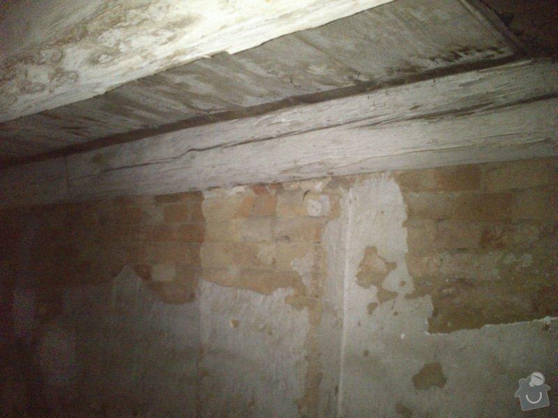 TESAŘ: Rekonstrukce jižního štítu sedlové střechy: DSC_2080