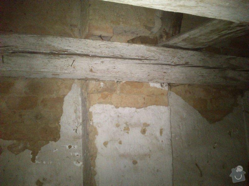 TESAŘ: Rekonstrukce jižního štítu sedlové střechy: DSC_2081