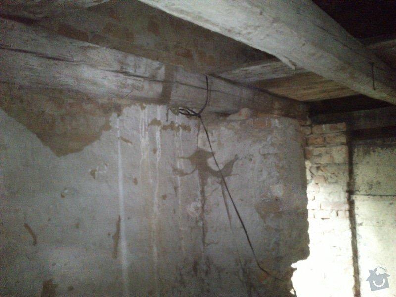 TESAŘ: Rekonstrukce jižního štítu sedlové střechy: DSC_2082