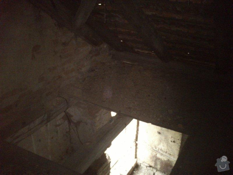 TESAŘ: Rekonstrukce jižního štítu sedlové střechy: DSC_2085