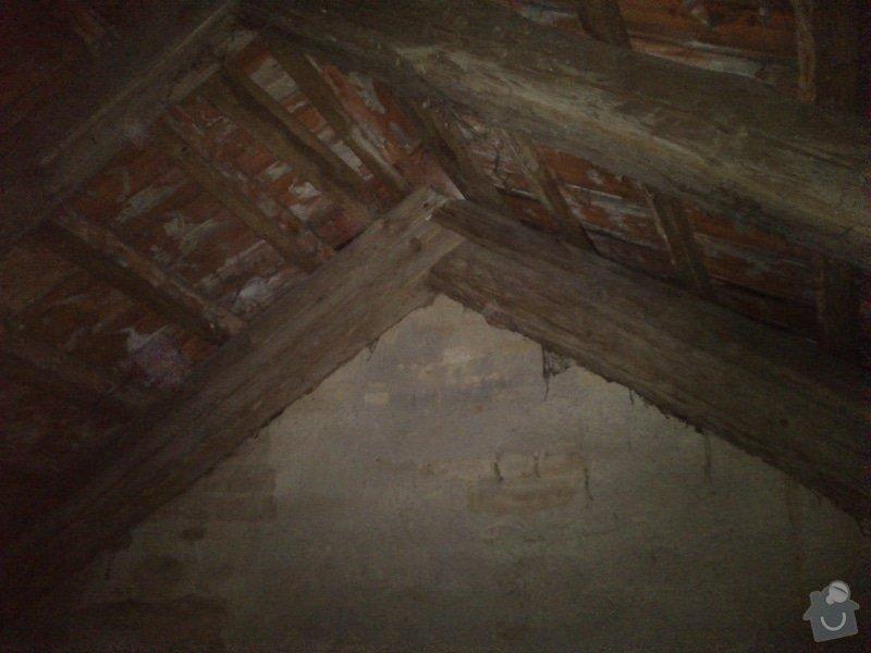 TESAŘ: Rekonstrukce jižního štítu sedlové střechy: DSC_2086