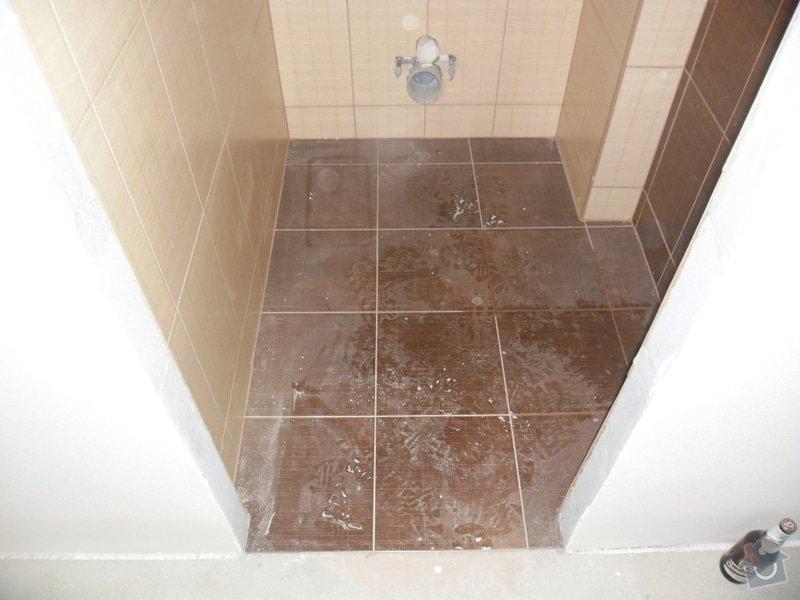 Dlažby, obklady v koupělně, WC a na chodbě + omítky v garáži: obklad-a-dlazba-v-koupelne-wc-a-kuchyni_135
