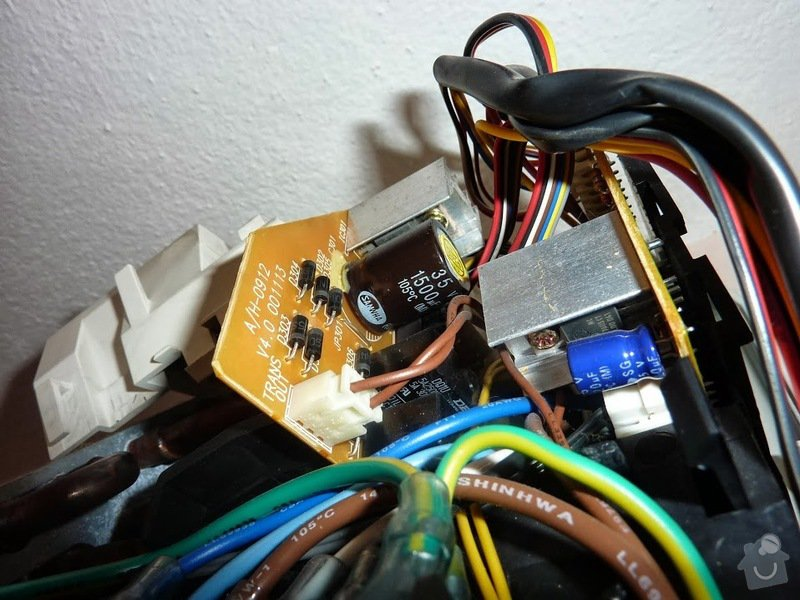 Oprava elektroniky klimatizace - výměna kondenzátoru: Kondenzator