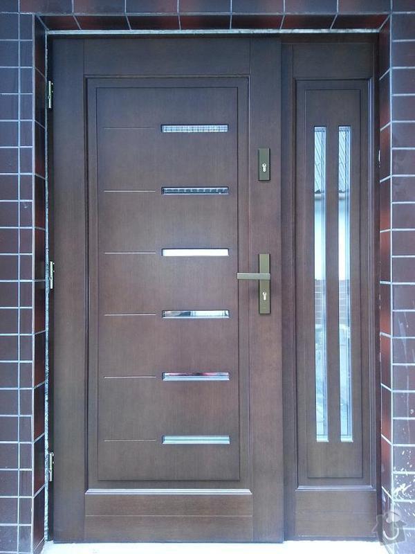 Vchodové dveře dřevěné s bočním světlíkem: 20130909_171800