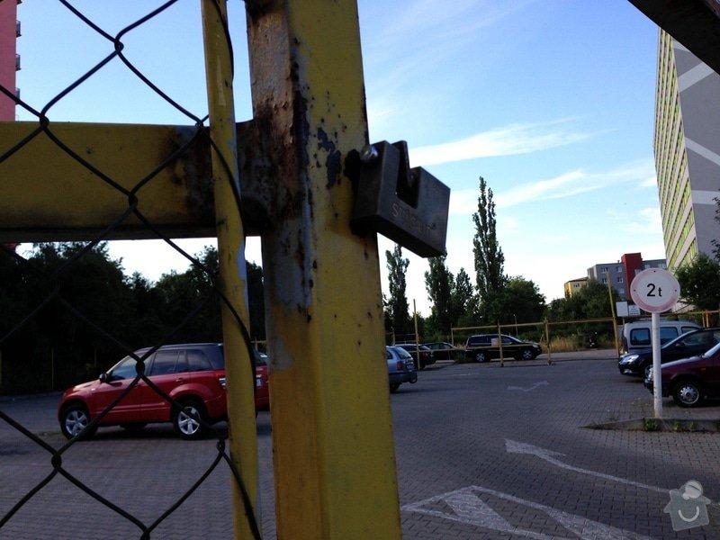 Repase vjezdových vrat na parkovišti: IMG_0715