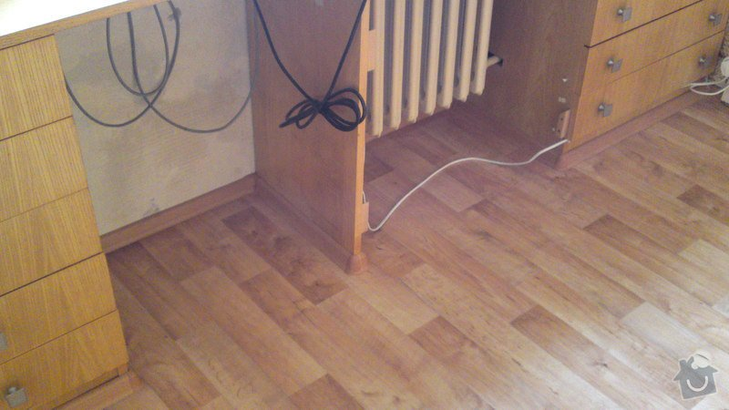 Položení lina místo koberce do jednoho pokoje s vestavěným nábytkem: 27092013417