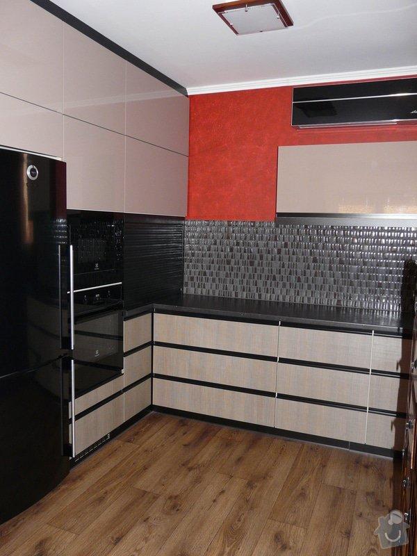 Kuchyňská linka a skříň na akvárium: 1