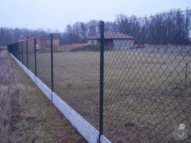 Dodávku a montáž plotu s podhrabovými deskami: plot_inspirace