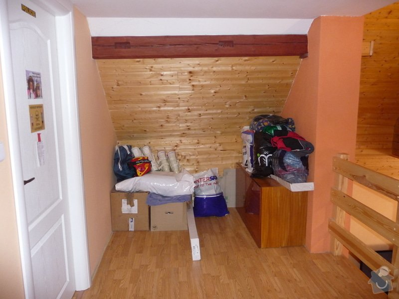 Vestavěné skříně - 3 ks: P1020983