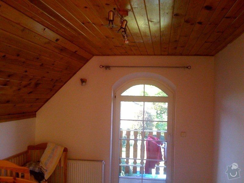 Instalace dvou střešních oken a nové sádrokartonové stropy (2 pokoje): pokoj_levy