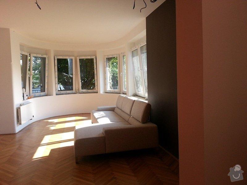 Vnitřní dřevěné parapety pod okna do oblouku (4 ks): obyvak