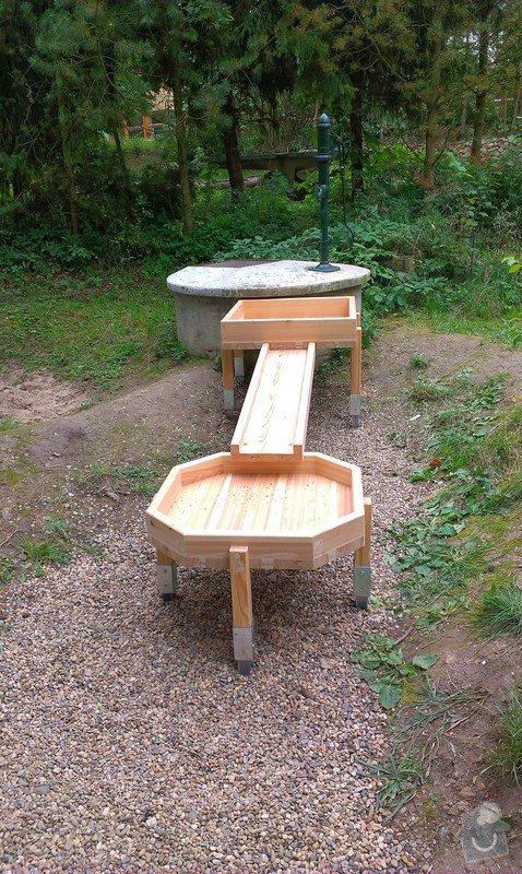 Výrobu dřevěných vodních herních prvků (korýtka): IMAG0010