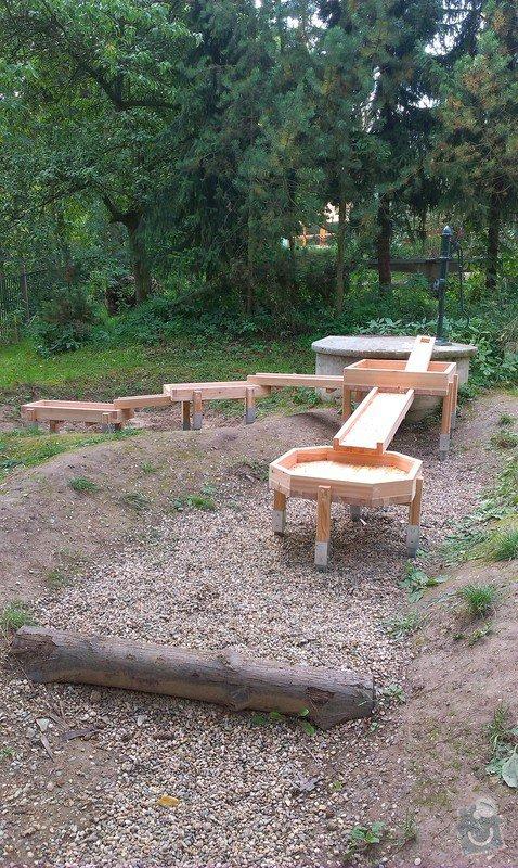 Výrobu dřevěných vodních herních prvků (korýtka): IMAG0018