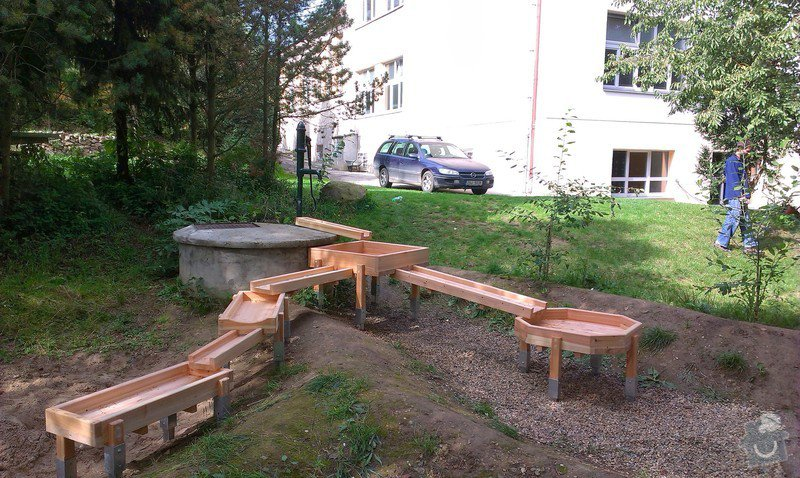 Výrobu dřevěných vodních herních prvků (korýtka): IMAG0019