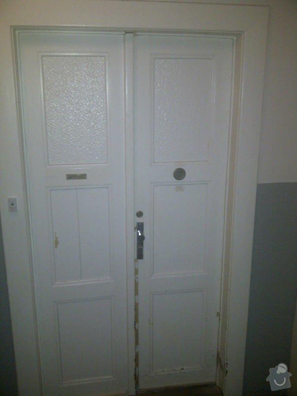 Oprava vstupnich dveri a repase oken : IMG-20131005-00394