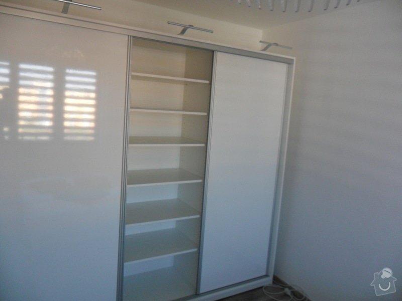 Sestava vestavěných skříní v Plzni: SAM_1668