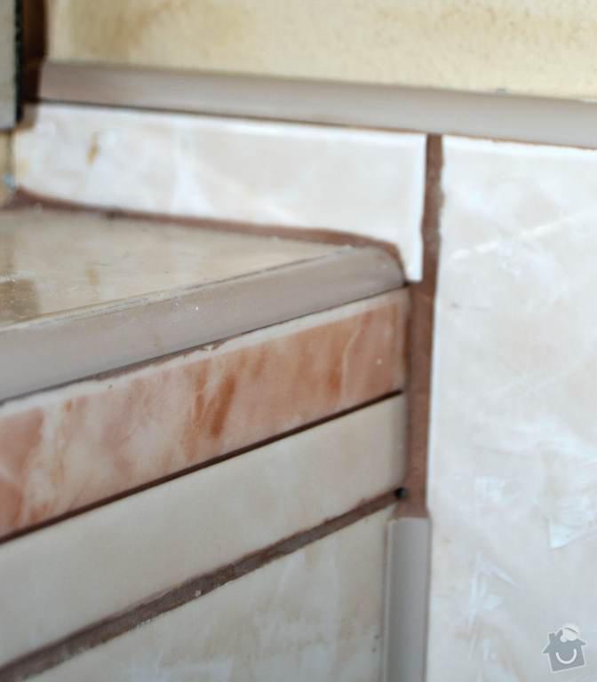 Rekonstrukce koupelny a wc: 08-oblozeni_geberitu-prava_strana.Chybejici_obkladova_lista.Autor_Roman_Berka