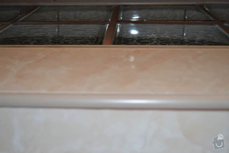 Rekonstrukce koupelny a wc: 17-utopeny_obklad_v_liste-koupelna_Autor_Roman_Berka_2_