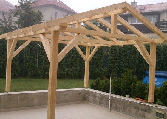 Výrobu, dodávku a montáž dřevěné pergoly