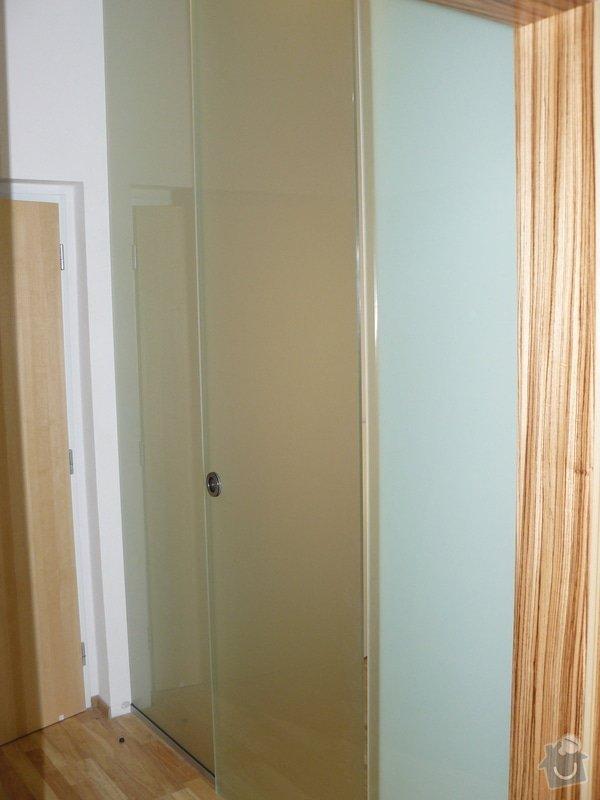 Výrobu 2 úložných prostorů-vestavěných skříní: P1060295