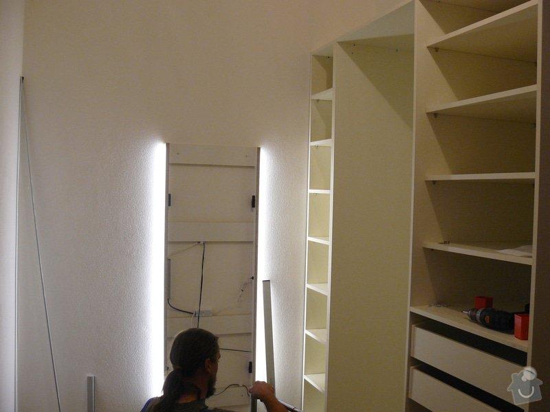 Výrobu 2 úložných prostorů-vestavěných skříní: P1060292