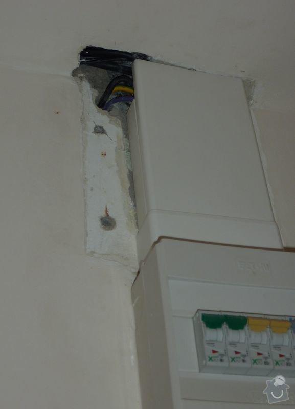 Malířské práce (3 pokoje), obložení kuchyňské linky, odstranění dlažby 7,5 m2, srovnání podlahy a položení PVC: fotka_3