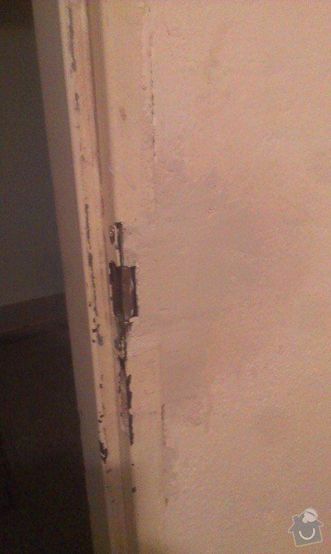 Zámek u vstupních dveří: IMAG3059