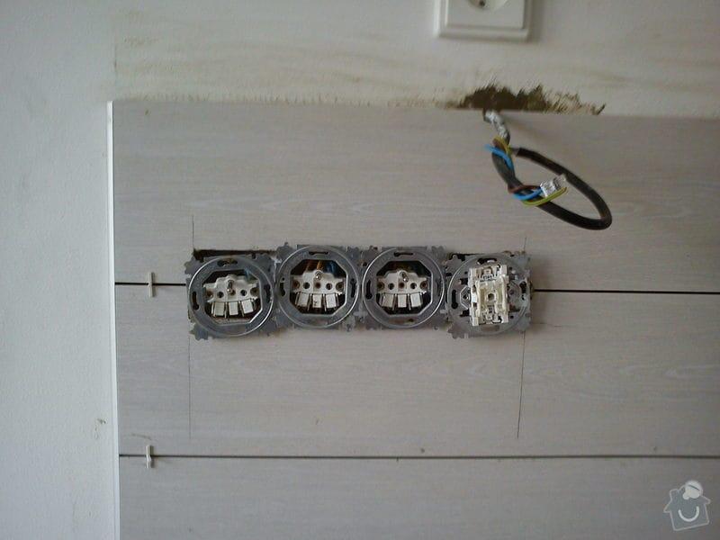Obklad stěny za kuch. linkou - 3m2: DSC00633