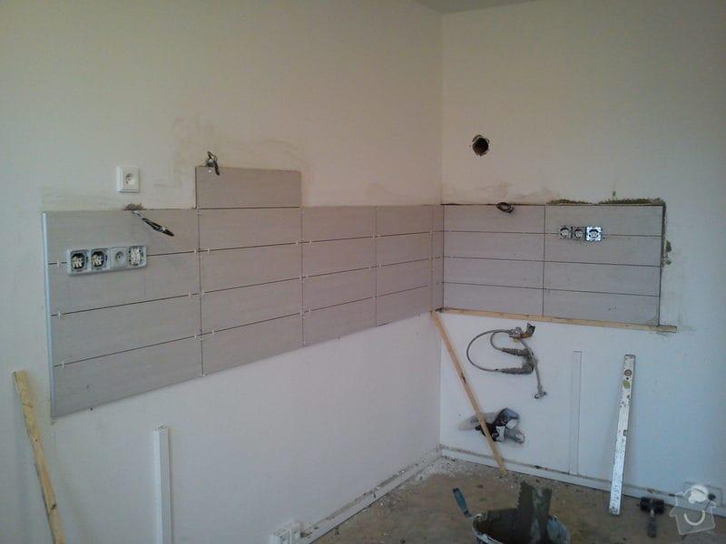 Obklad stěny za kuch. linkou - 3m2: DSC00637