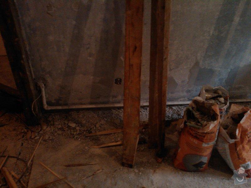 Vybourání otvoru pro dveře + úprava vedení trubky k WAW: IMG416