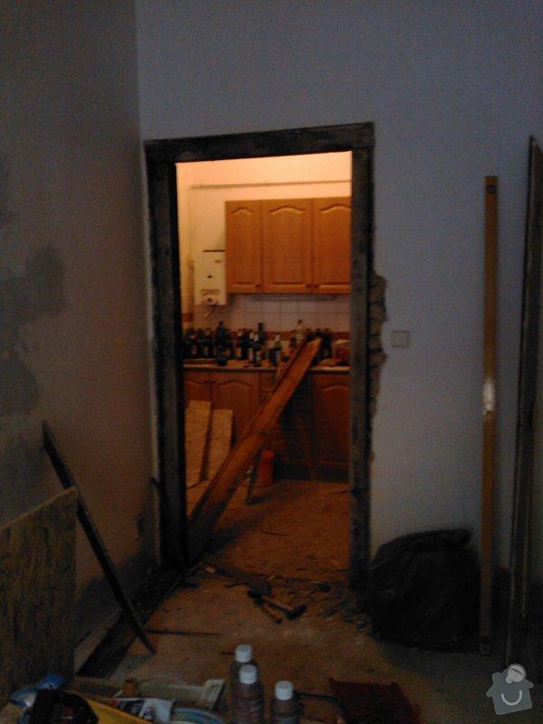 Vybourání otvoru pro dveře + úprava vedení trubky k WAW: IMG419
