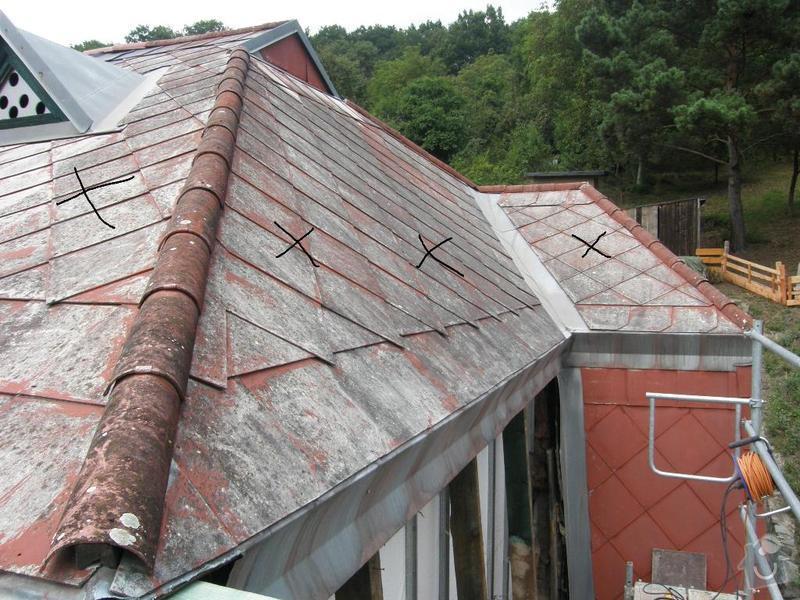 Oprava střechy.Výměnu eternitové krytiny za plastové šablony nebo plech.Opravy krovu a bedění: P8240044